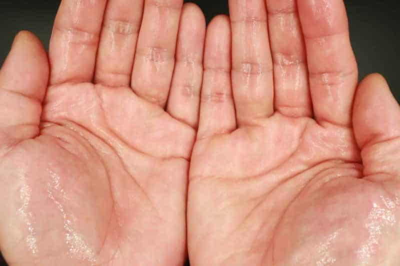 【洗い流さないトリートメント】「ラックス」のモイスチャーリッチ保湿オイルを美容師が実際に使ったレビュー記事