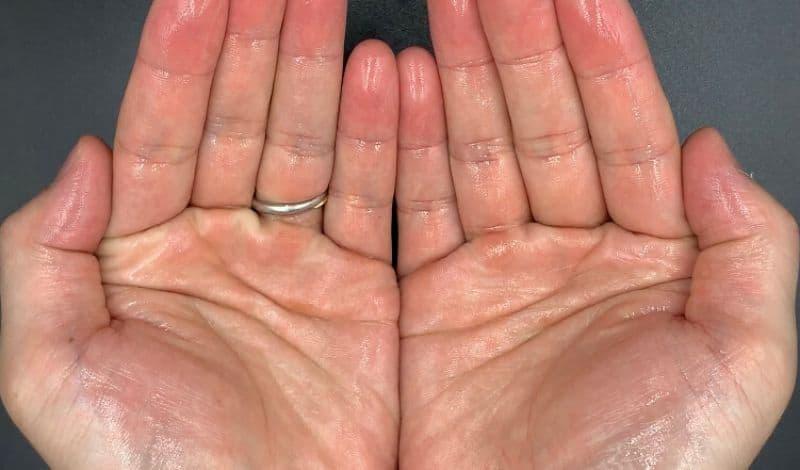 【洗い流さないトリートメント】ルベル「イオセラム」のセラムオイルを美容師が実際に使ったレビュー記事
