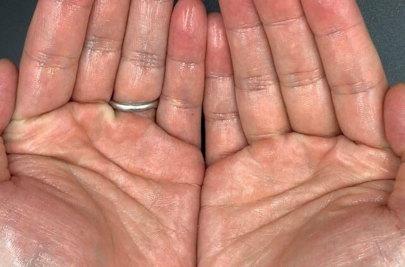 【洗い流さないトリートメント】「ヘアリエ」リペアリーオイルを美容師が実際に使ったレビュー記事