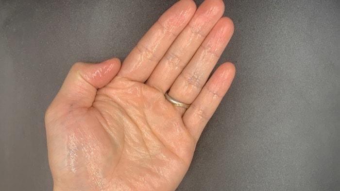 【洗い流さないトリートメント】「ミルボン」クロナ デイアンドナイトオイルを美容師が実際に使ったレビュー記事